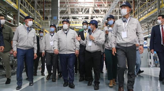 Bakan Varank, yeni Hyundai i20'nin seri üretim törenine katıldı