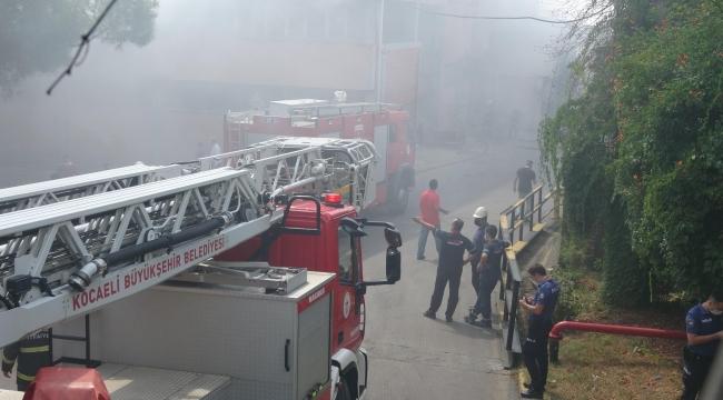 Döküm fabrikasının fırınlarında çıkan yangın korkuttu