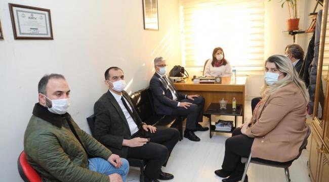 AK Parti: Esnafımızın yanındayız