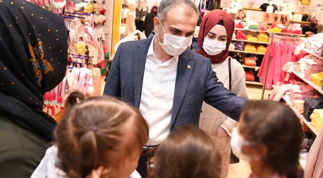 Çayırova Belediyesi 500 yetim ve öksüz çocuğu giydirdi
