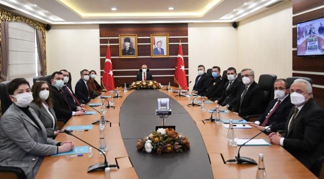 Vali Yavuz Bakanların toplantısında katıldı!
