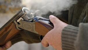 Tartıştığı kişiyi pompalı tüfekle vurdu!