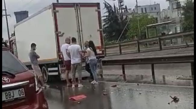 Sağanak yağış zincirleme kaza getirdi!