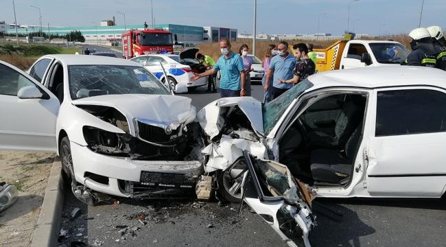 İki otomobil çarpıştı: 1 Ölü 2 Yaralı!